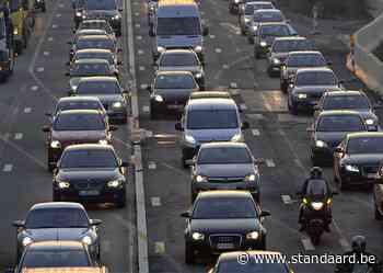 Twee uur file op E40 richting Brussel: 'Vermijd omgeving' - De Standaard