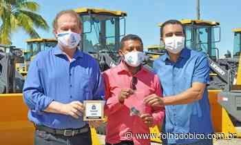 CACHOEIRINHA: Paulo Macedo recebe das mãos de Carlesse novo maquinário - Folha do Bico