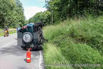 L 1182 bei Weil der Stadt: Auto kippt um - Leonberger Kreiszeitung