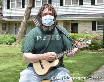 Indian Head Park man puts on free ukulele concerts - Desplaines Valley News