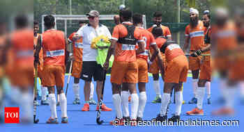 Indian hockey players finally head home - Times of India