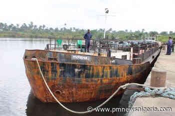 EFCC grills 5 illegal oil dealers in Uyo - P.M. News