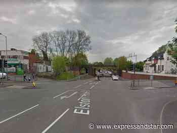 Alleged gunman arrested as police search for weapon after Wolverhampton crash - expressandstar.com