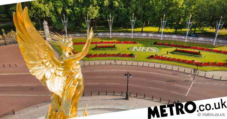 Buckingham Palace unveils a floral tribute to the NHS ahead of the 72nd anniversary