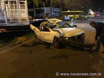 Nova Andradina - Condutor de veículo perde controle de direção e colide em caminhão parado - Nova News - Nova News