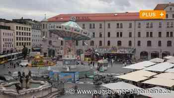 Mit Karussell und Co.: Der Augsburger Rathausplatz wird zum Rummelplatz