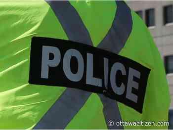 Demonstrators chain themselves inside Gatineau building - Ottawa Citizen