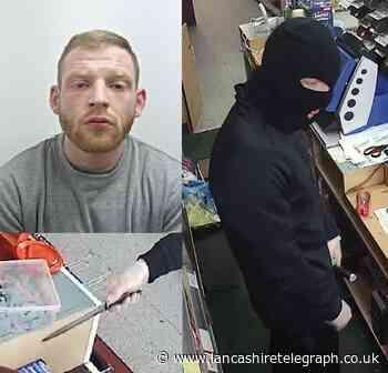 Masked Spar knifepoint robber jailed