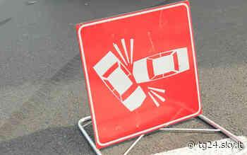 Nichelino, incidente nella rotonda: morto motociclista - Sky Tg24