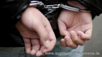 Autofahrer will Polizisten Kopfstoß verpassen - Augsburger Allgemeine