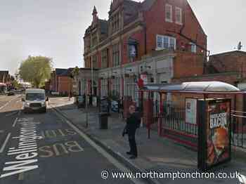 Attacker uses golf club in attempt to beat woman at Northampton bus stop - Northampton Chronicle and Echo