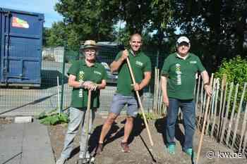 Compostmeesters in Oostrozebeke draaien weer op volle sterkte met jonge kracht - Krant van Westvlaanderen