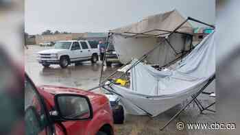 Storm hits large swath of central Sask., wreaks havoc at Melfort farmers market