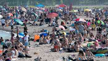 Ontario won't close packed beaches despite major overcrowding issues