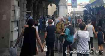 E' polemica sul mercato di Conegliano: 'A noi negozianti fanno le multe, e poi vedi queste cose'. - Oggi Treviso