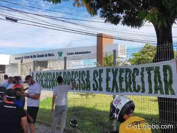 Profissionais de educação física e empresários do setor protestam em Natal por reabertura de academias - G1