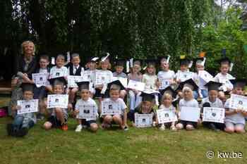 Kleuters derde kleuterklas Centrumschool Wingene krijgen kleuterdiploma - Onderwijs & jeugd - Krant van Westvlaanderen