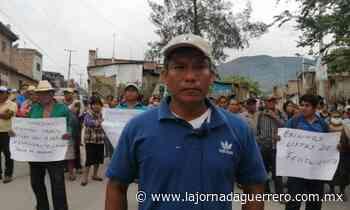 Bloquean campesinos de Atliaca la carretera Tixtla-Apango; exigen la lista de fertilizante - La Jornada Guerrero