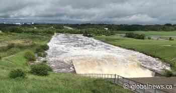 Water levels drop at Manitoba's Rivers Dam, but province warns more rain coming