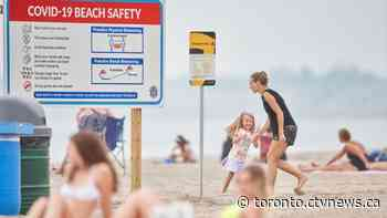 How to stay safe at the beach during a pandemic
