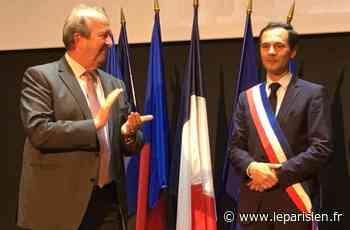 Suresnes : Guillaume Boudy prend l'écharpe de maire de Christian Dupuy - Le Parisien