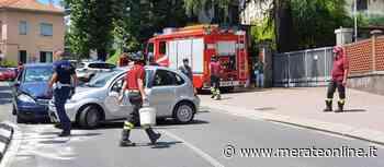 Merate: scontro tra due auto all'ingresso del parcheggio dell'ospedale - Merate Online