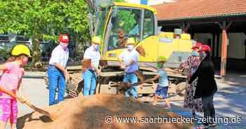Spatenstich für den neuen Schulhof Auf der Lehn in Illingen - Saarbrücker Zeitung
