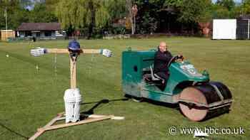 Boris Johnson says recreational cricket can resume from 11 July