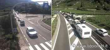 Code e rallentamenti fra Mori e Nago-Torbole: tantissimi automobilisti in viaggio verso il lago di Garda - il Dolomiti - il Dolomiti