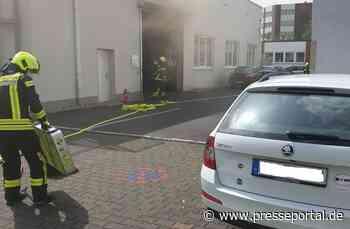 FW Sankt Augustin: Maschinenbrand in Produktionshalle verursachte starke Rauchentwicklung - Presseportal.de