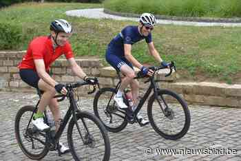 """Nederlanders fietsen meer dan honderd (!) rondjes over de Muur: """"Zonde dat Ronde hier niet meer passeert"""""""