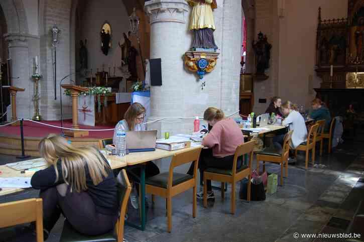 Surfen in de kerk wordt makkelijker: WiFi-verbinding krijgt upgrade