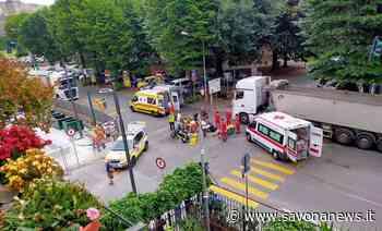 Savona, scontro tra due moto in corso Mazzini: due persone in codice giallo al San Paolo - SavonaNews.it