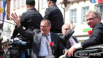 Rathaus Bad Urach: Mr. Schäferlauf: Eberhard Knauer ist im Ruhestand - SWP