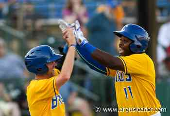 Canaries opener: Birds win in impressive fashion, social distancing needs work - Argus Leader