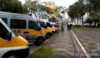 Motoristas de vans escolares de Valinhos fazem ato para pedir auxílio financeiro à prefeitura - G1