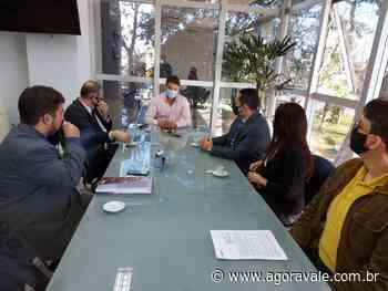 Prefeitura de Pindamonhangaba recebe Caixa e assina convênio para obras em Moreira César e Crispim - AgoraVale