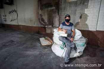 Mineiros criam vaquinha para ajudar dono de sebo que teve livros queimados - O Tempo