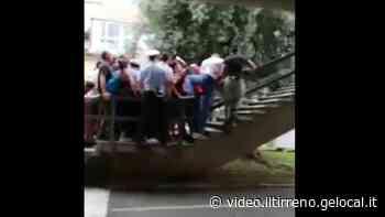 Carrara: caos in consiglio comunale sul marmo. Seduta sospesa, interviene la polizia - Il Tirreno