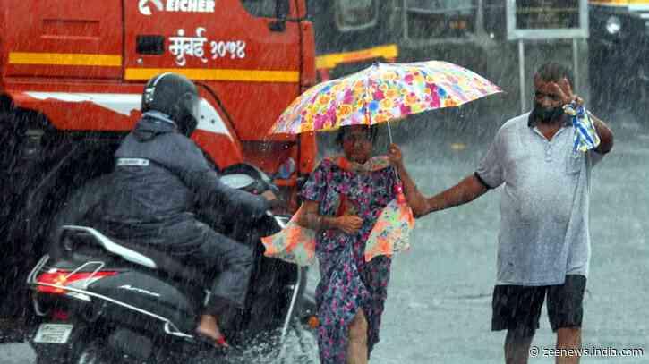 Mumbai weather: Heavy rainfall hits Santacruz, Goregaon and western suburbs parts