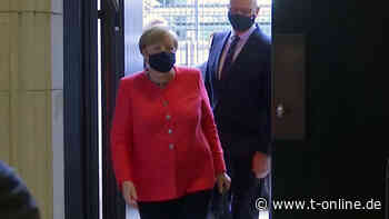 Im Bundesrat: Angela Merkel zeigt sich mit Mund-Nasen-Schutz - t-online.de