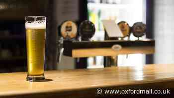 Which pubs and restaurants in Oxford are open today?
