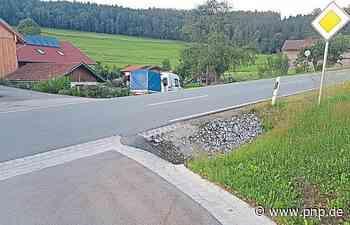 Gefährlicher Straßenabschnitt: Der Reifenkiller von Kirchaitnach - Kollnburg - Passauer Neue Presse