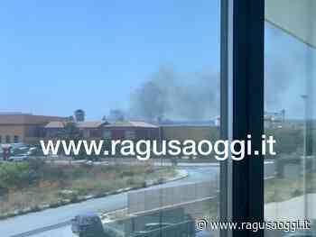 Incendio alla Ecodep zona industriale Modica-Pozzallo - RagusaOggi