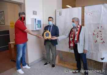 Il grande cuore rossonero regala un altro defibrillatore a Cassano Magnago - Varesenews