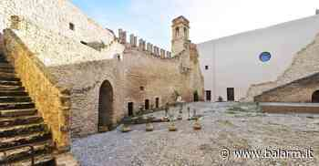 La fortezza medievale di Carini in notturna: visite serali al Castello La Grua Talamanca - Balarm.it