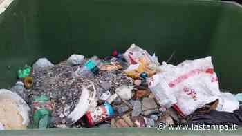 Alassio, due furbetti dei rifiuti multati dalla polizia locale - La Stampa