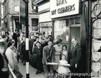 Rovers star Ronnie Clayton brought crowds to shop opening