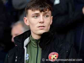 Sam Perry signs first professional Walsall deal - expressandstar.com