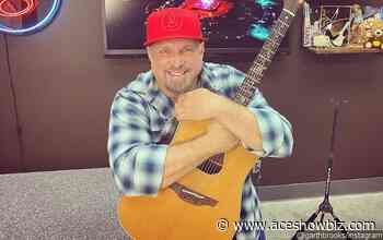 Garth Brooks to Stage Second Virtual Acoustic Concert - AceShowbiz
